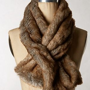 Anthropologie Ascot Womens Faux Fur Scarf